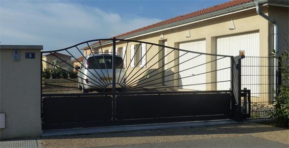 portail Saint-Jean-d'Ardières